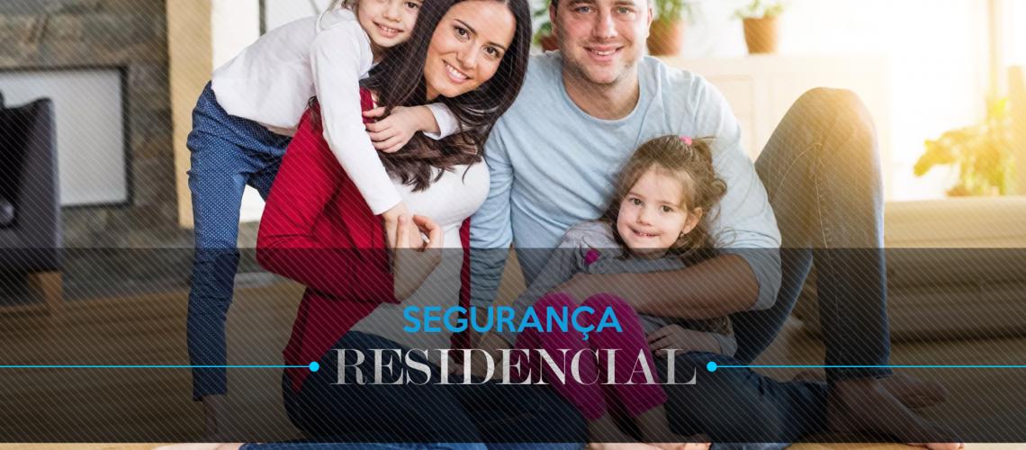 Família protegida pelo serviço de segurança residencial